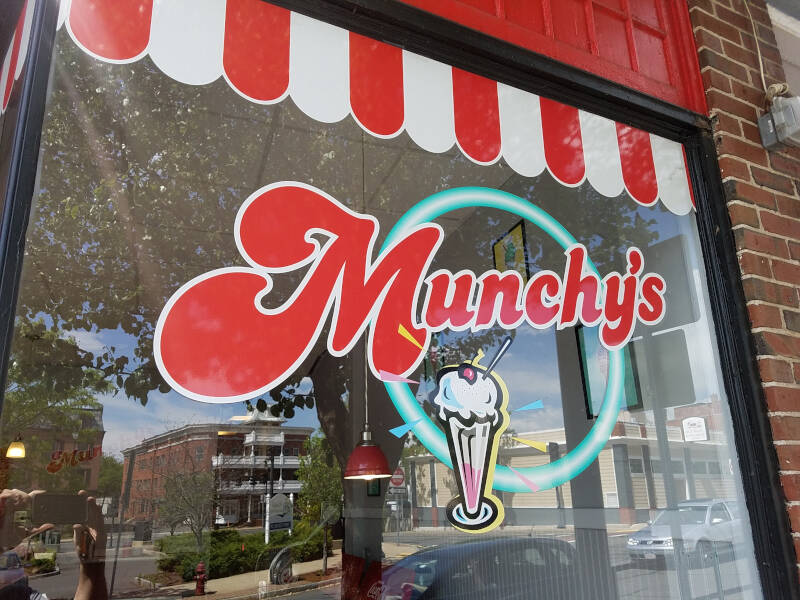 Munchy's storefront